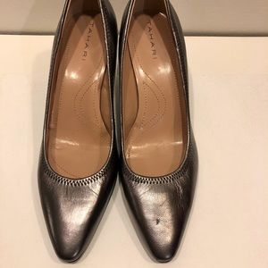 Tahari Women's Pumps Brett Metallic Pewter 6.5